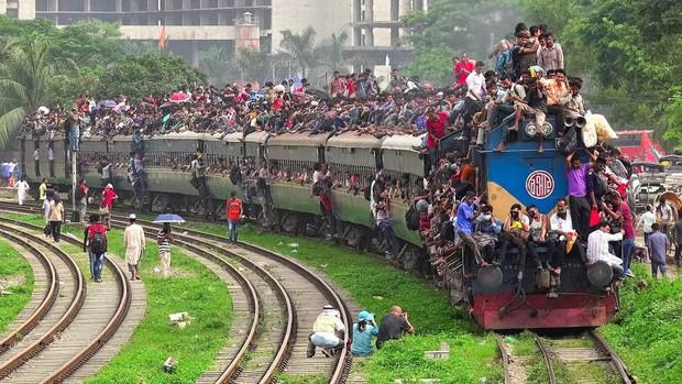 Hình ảnh lúc tắc đường vào giờ cao điểm ở các quốc gia trên thế giới: Đúng là mỗi nước mỗi khác, giao thông Việt Nam chưa hẳn tệ nhất - Ảnh 12.