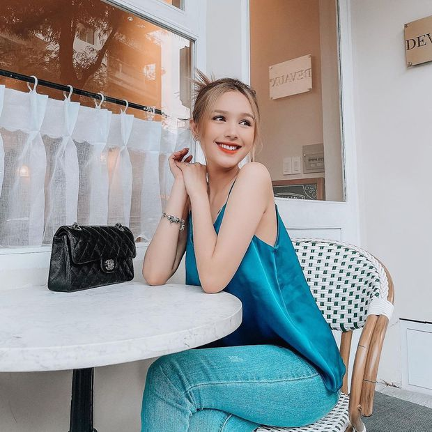 Instagram look của sao Việt: Chi Pu khoe body đồng hồ cát, Xoài Non mặc đơn giản mà xinh áp đảo chị em - Ảnh 2.