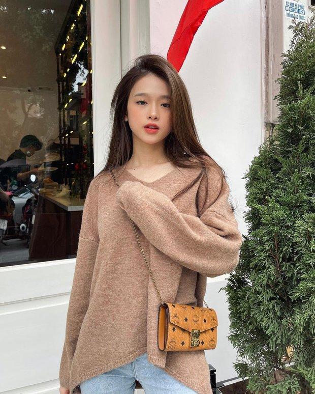 Instagram look của sao Việt: Chi Pu khoe body đồng hồ cát, Xoài Non mặc đơn giản mà xinh áp đảo chị em - Ảnh 3.