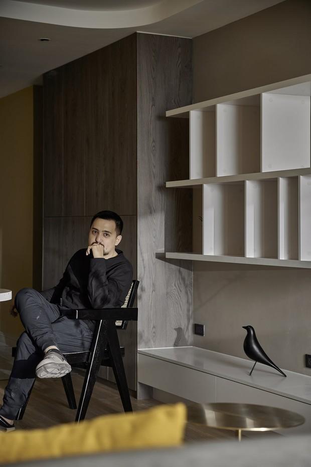 Kiến trúc sư kể chuyện nhà mình: Đập đi xây lại được căn hộ đẹp mê ly, nhìn hình thực tế mà cứ ngỡ ảnh 3D - Ảnh 1.