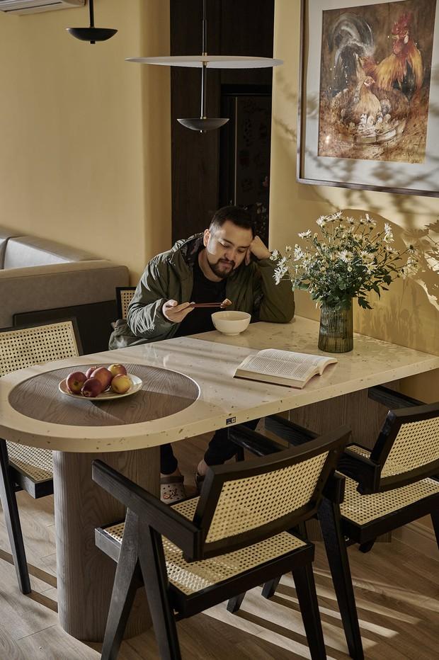 Kiến trúc sư kể chuyện nhà mình: Đập đi xây lại được căn hộ đẹp mê ly, nhìn hình thực tế mà cứ ngỡ ảnh 3D - Ảnh 13.