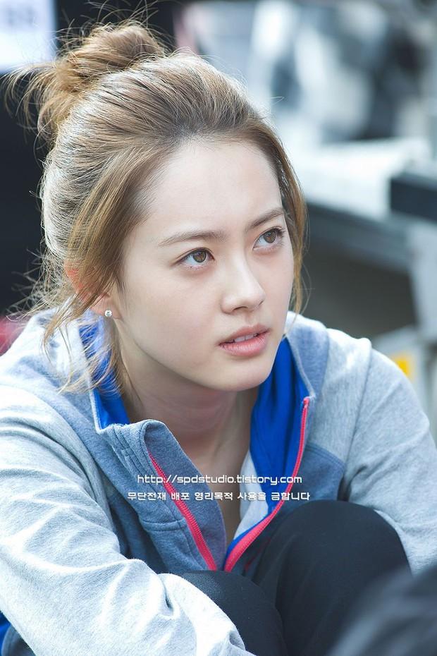 Knet nhận xét visual các idol khi gặp ngoài đời: Lisa như búp bê sống, Suzy toả sáng cả góc trời, Yoona thành nữ thần là có lý do - Ảnh 38.