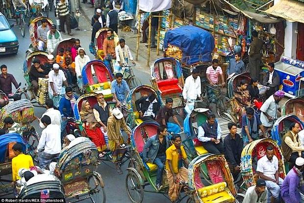 Hình ảnh lúc tắc đường vào giờ cao điểm ở các quốc gia trên thế giới: Đúng là mỗi nước mỗi khác, giao thông Việt Nam chưa hẳn tệ nhất - Ảnh 2.