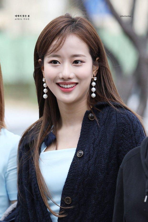 Knet nhận xét visual các idol khi gặp ngoài đời: Lisa như búp bê sống, Suzy toả sáng cả góc trời, Yoona thành nữ thần là có lý do - Ảnh 28.