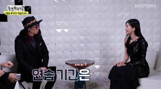 Ác nữ Penthouse Kim So Yeon hé lộ lý do để mặt mộc đi show hát giấu mặt - Ảnh 2.
