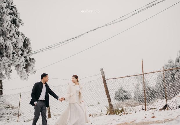 Trọn bộ ảnh cưới lung linh của cặp đôi Hà Nội giữa băng tuyết kỳ ảo ở Y Tý khiến dân tình trầm trồ ngưỡng mộ - Ảnh 5.
