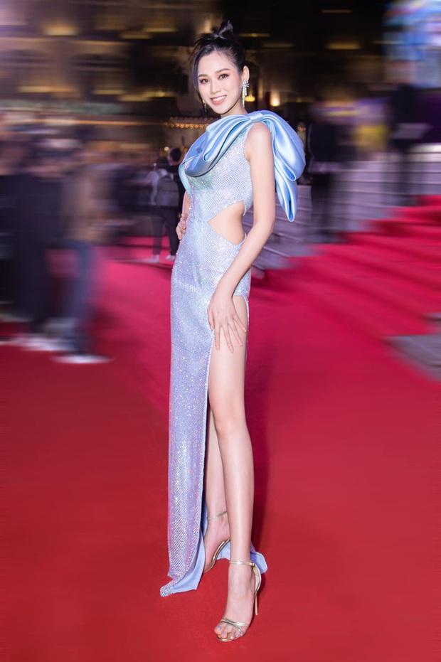 Đại chiến sao Việt và ảnh team qua đường đầu năm 2021: Hoa hậu Đỗ Hà lộ body thật, kéo xuống Chi Pu - Ngọc Trinh mà xỉu ngang - Ảnh 4.