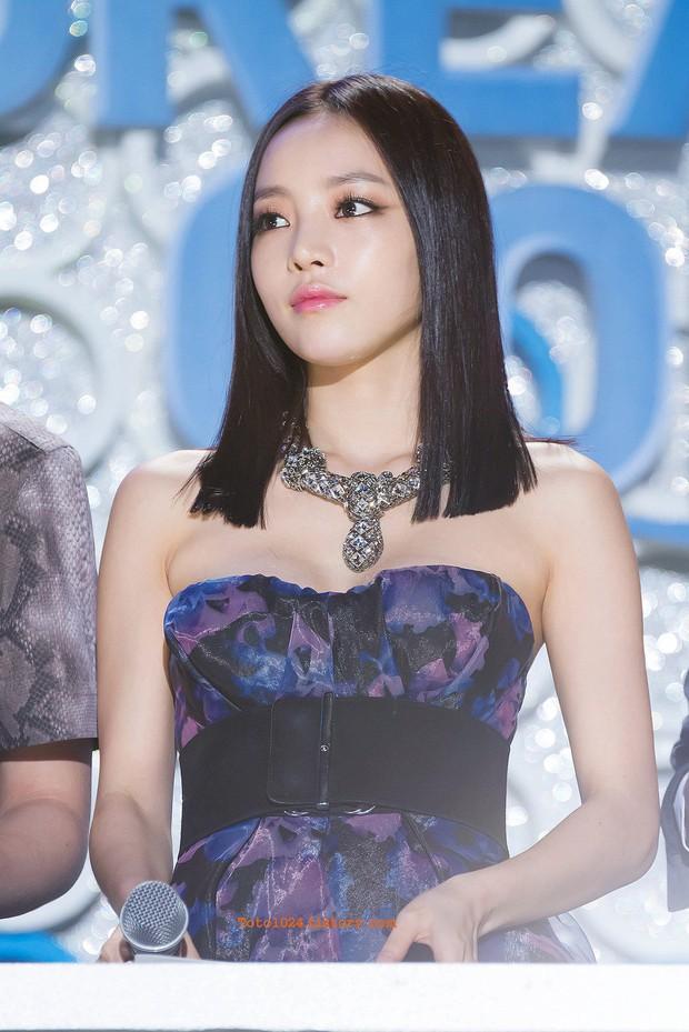 Knet nhận xét visual các idol khi gặp ngoài đời: Lisa như búp bê sống, Suzy toả sáng cả góc trời, Yoona thành nữ thần là có lý do - Ảnh 37.