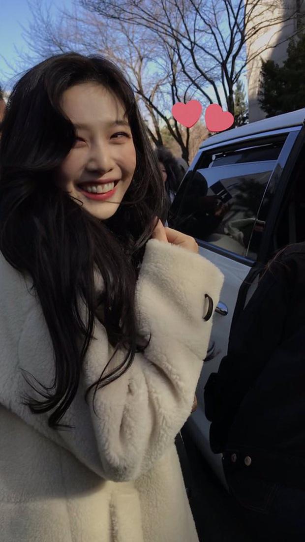 Knet nhận xét visual các idol khi gặp ngoài đời: Lisa như búp bê sống, Suzy toả sáng cả góc trời, Yoona thành nữ thần là có lý do - Ảnh 18.