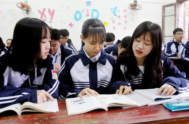 Cô giáo bất ngờ khi thấy học trò nhất mực từ chối trường chuyên, hành động sau đó thay đổi cả cuộc đời nữ sinh - Ảnh 3.