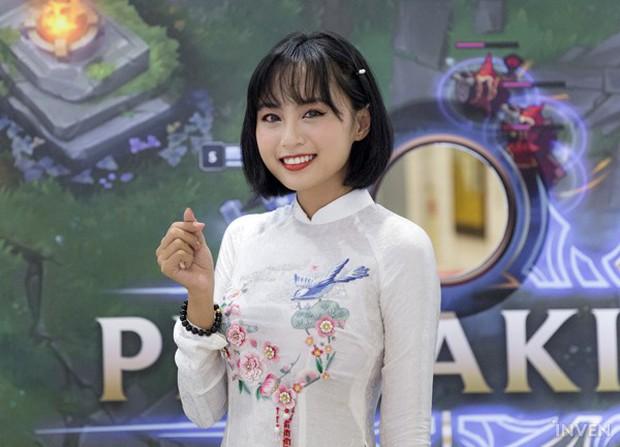 So kè nhan sắc của những nữ MC MOBA Esports đình đám tại Việt Nam: Mỗi người một vẻ mười phân vẹn mười - Ảnh 2.