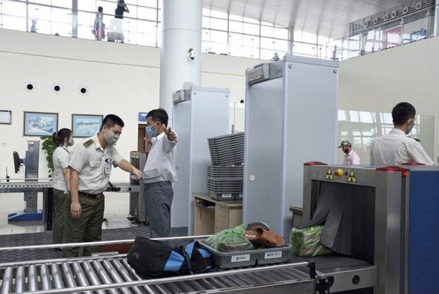 Bị cấm bay 1 năm, mua CMND trong nhà nghỉ để đi máy bay từ Thanh Hóa vào TP HCM - Ảnh 1.