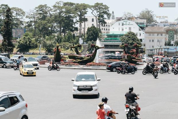 Cô gái tố bị nhà xe Thành Bưởi bỏ quên trên xe khách ở Đà Lạt và phản ứng trái chiều từ dân mạng xung quanh việc... ngủ quên - Ảnh 1.