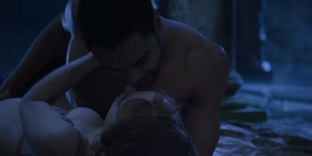 Điểm danh 10 cảnh nóng hầm hập của cặp mỹ nam - mỹ nữ Bridgerton: Chấn động khi ân ái với nhau... 6 lần trong 1 tập! - Ảnh 5.