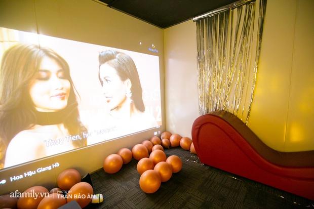 Bên trong rạp phim... người lớn đang gây xôn xao tại Sài Gòn, có giường để nằm xem phim, trang bị đủ loại đồ chơi cho khách dùng khi có nhu cầu!? - Ảnh 6.
