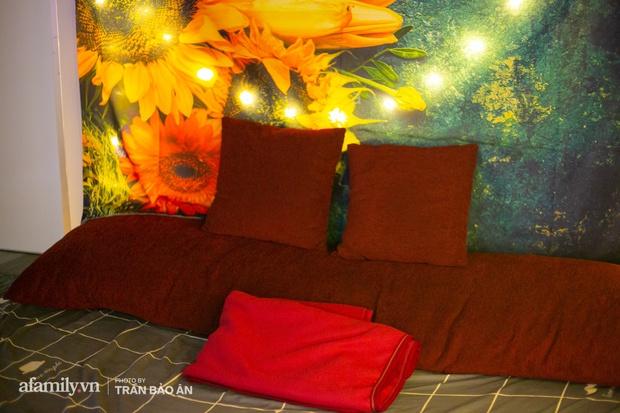 Bên trong rạp phim... người lớn đang gây xôn xao tại Sài Gòn, có giường để nằm xem phim, trang bị đủ loại đồ chơi cho khách dùng khi có nhu cầu!? - Ảnh 7.