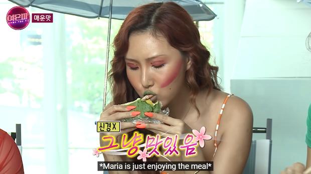 Hwasa (MAMAMOO) ăn kiêng mà tưởng đang quay mukbang, cuồng ăn đến mức suýt mất kiểm soát - Ảnh 2.