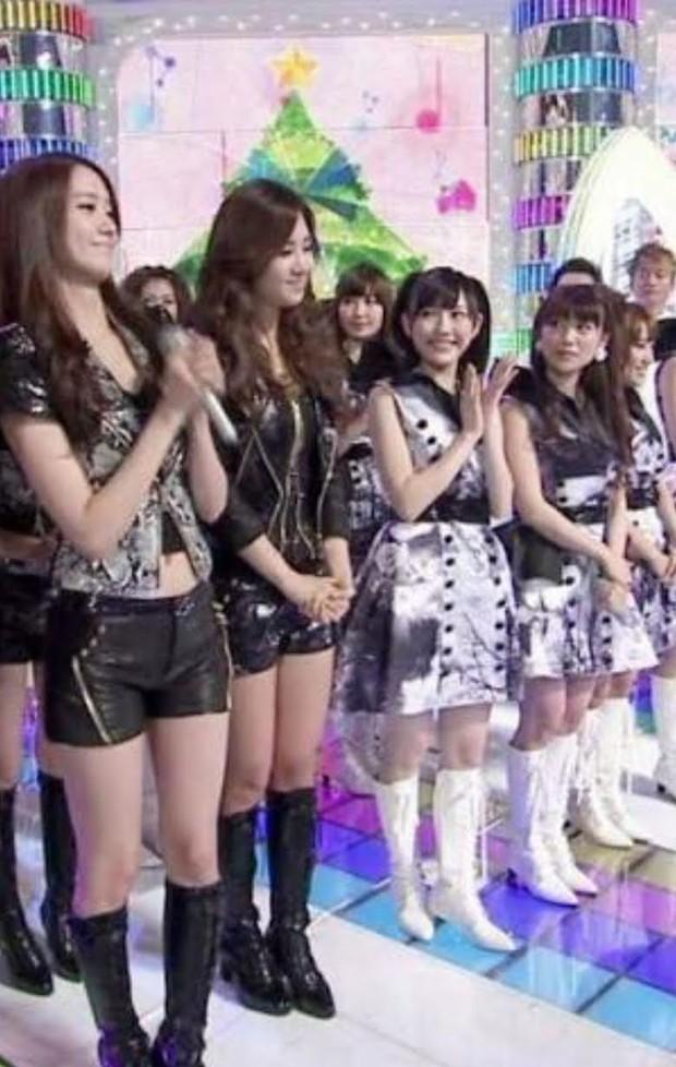SNSD mang tiếng là nấm lùn, đứng cạnh nhóm nữ Jpop đình đám liền để lộ ngay điểm khác biệt rõ ràng giữa idol Hàn và Nhật - Ảnh 4.