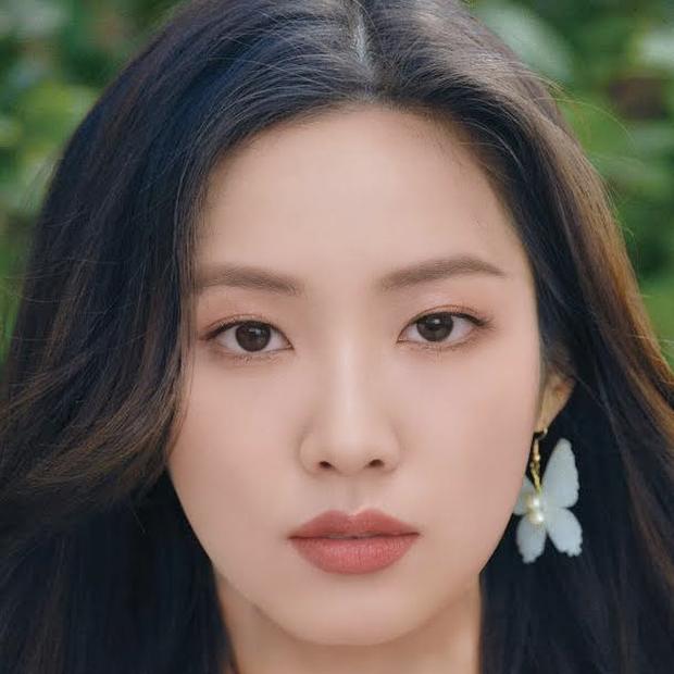 Tổ hợp khuôn mặt 5 idol nữ hot nhất hiện nay: Nét của Jennie (BLACKPINK) mất dạng, 1 bộ phận nổi bật của Irene (Red Velvet) còn nguyên - Ảnh 8.