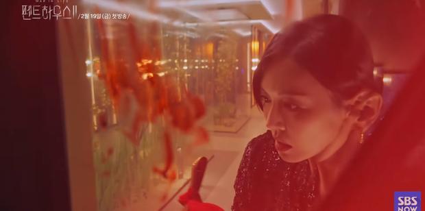 Penthouse 2 nhá hàng trailer đẫm máu: Tiểu tam Yoon Hee tái sinh báo thù cực gắt, đoạt mạng cả ác nữ Seo Jin? - Ảnh 5.