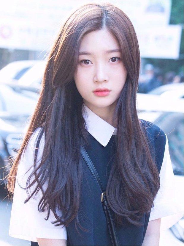 Knet nhận xét visual các idol khi gặp ngoài đời: Lisa như búp bê sống, Suzy toả sáng cả góc trời, Yoona thành nữ thần là có lý do - Ảnh 25.