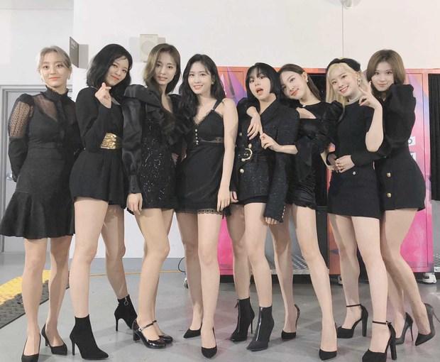 Knet nhận xét visual các idol khi gặp ngoài đời: Lisa như búp bê sống, Suzy toả sáng cả góc trời, Yoona thành nữ thần là có lý do - Ảnh 10.