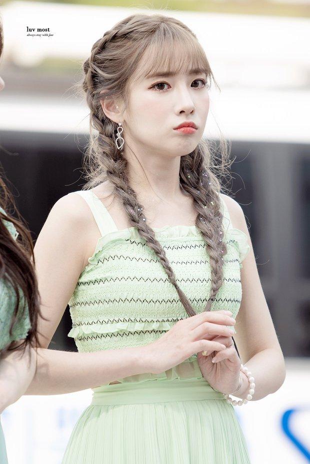 Knet nhận xét visual các idol khi gặp ngoài đời: Lisa như búp bê sống, Suzy toả sáng cả góc trời, Yoona thành nữ thần là có lý do - Ảnh 33.