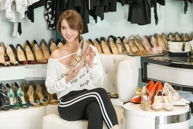 Ngọc Trinh khoe ảnh nude trong bồn tắm nhưng đôi giày công chúa 120 triệu mới là thứ khiến netizen lo lắng - Ảnh 3.