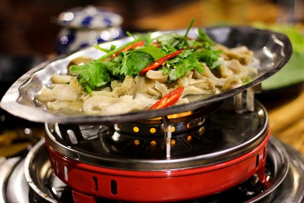 No căng bụng với vị ngon bò Việt ở Bò Cỏ Lẩu mới toe tại Đà Nẵng - Ảnh 3.