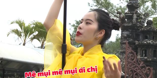 Nam Em đi show với dàn Hoa hậu, Á hậu: Thần đèn thể trạng yếu nhưng vẫn vô cùng lầy lội - Ảnh 7.