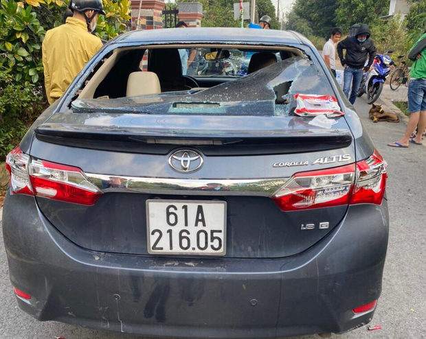 Bình Dương: Kẻ trộm chó liều lĩnh lái ô tô tông thẳng vào Cảnh sát khi bị phát hiện - Ảnh 3.