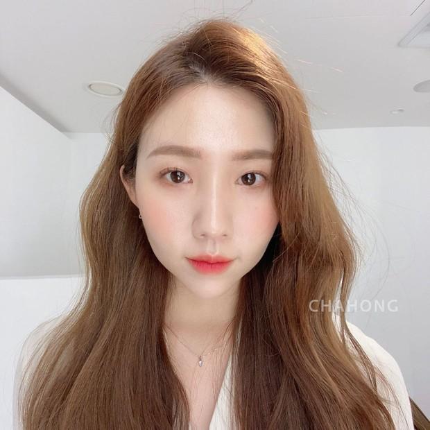 Hair stylist Hàn khuyên thật: Đừng vội đi cắt tóc, chỉ cần đổi ngôi thôi là bạn đã khác lắm rồi - Ảnh 3.
