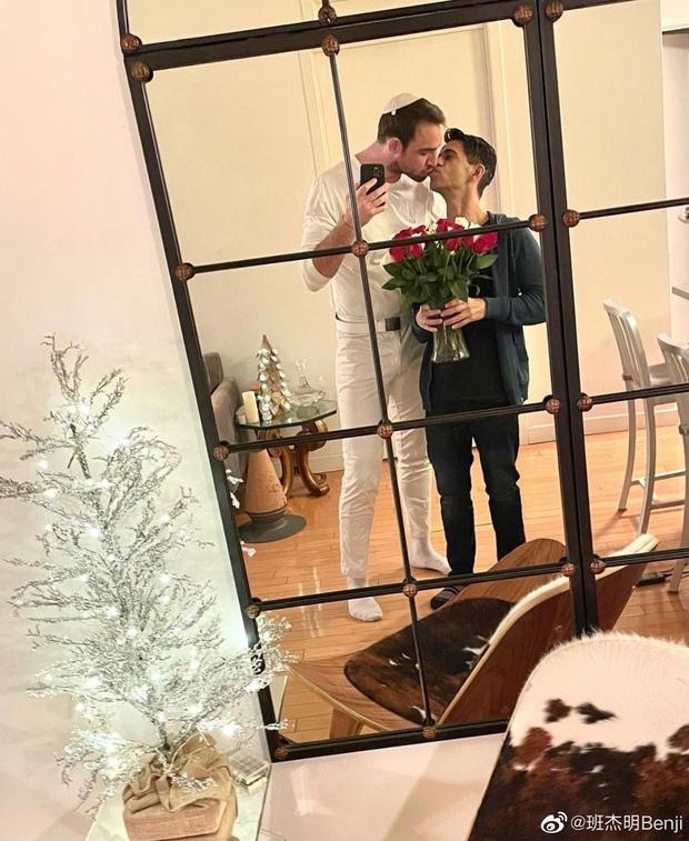 Nam thần ngoại quốc duy nhất trong Tân Hoàn Châu Cách Cách gây sốt khi cầu hôn thành công bạn trai đồng tính - Ảnh 3.
