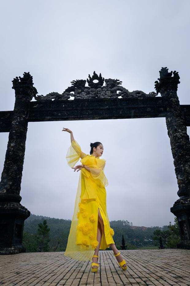 Nam Em đi show với dàn Hoa hậu, Á hậu: Thần đèn thể trạng yếu nhưng vẫn vô cùng lầy lội - Ảnh 18.