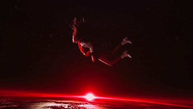 BLACKPINK từng bị say xe khi quay MV debut, Rosé và Jisoo phải đóng cảnh nguy hiểm nhưng phản ứng trái ngược hoàn toàn - Ảnh 3.