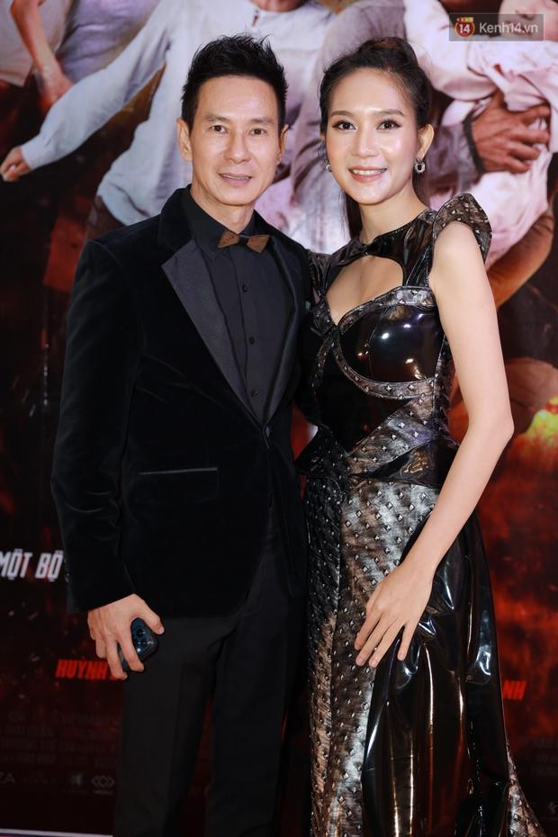 Mạc Văn Khoa xuất hiện ngọt ngào bên vợ mới cưới, bộ đôi Lý Hải - Minh Hà bám nhau tình tứ ở buổi ra mắt phim Tết Lật Mặt - Ảnh 5.