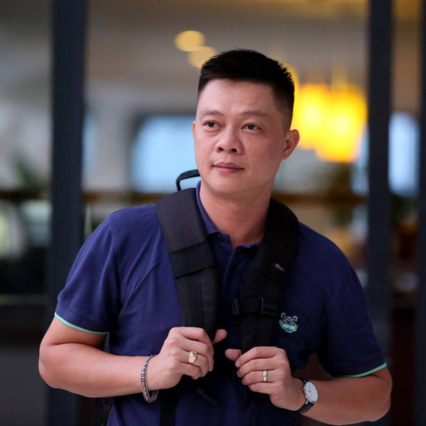 Thấy có lỗi vì bỏ bê, ít để ý xem con học thế nào, BTV Quang Minh ngỡ ngàng khi cầm tờ kết quả học tập của con trai - Ảnh 1.
