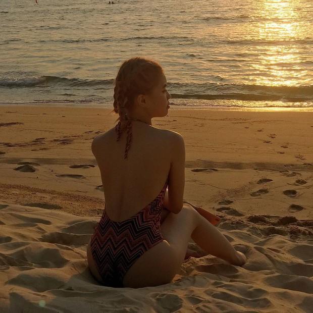 Pháo lần đầu khoe dáng với bikini, body tuổi 18 siêu hot đánh bật cái lạnh mùa đông - Ảnh 2.