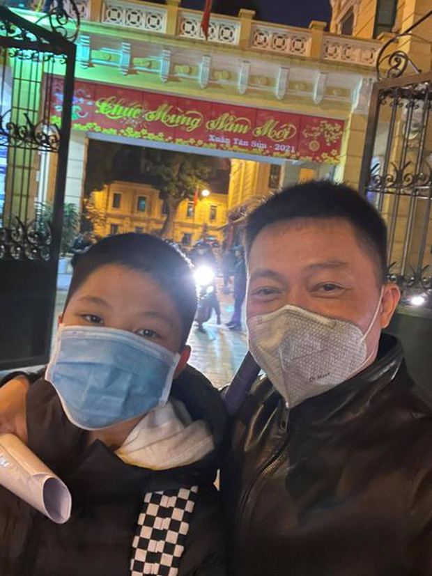 Thấy có lỗi vì bỏ bê, ít để ý xem con học thế nào, BTV Quang Minh ngỡ ngàng khi cầm tờ kết quả học tập của con trai - Ảnh 4.