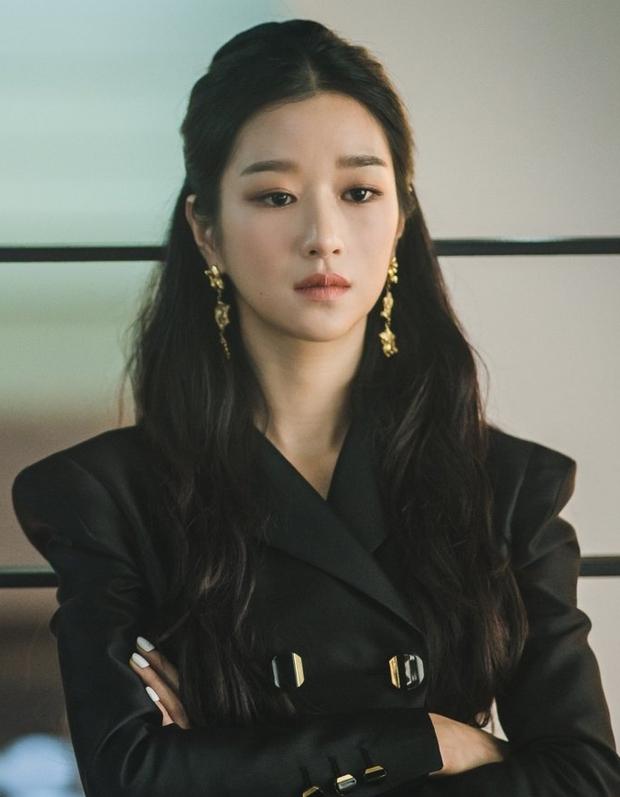 Khi sao nữ Hàn buộc tóc nửa đầu: Irene xinh như tiên tử, Taeyeon được khen giống hệt công chúa Elsa - Ảnh 7.