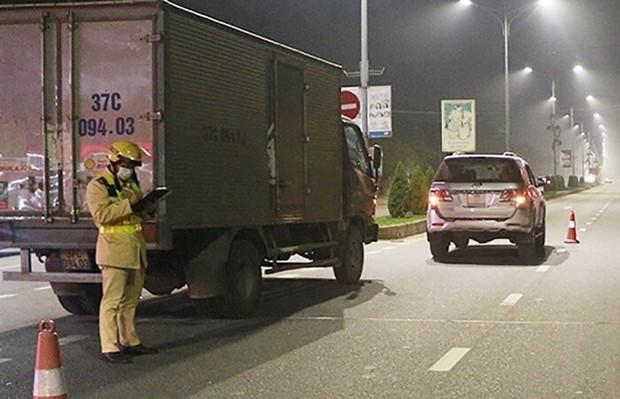 Gây tai nạn còn thách thức công an, tài xế bị phạt 46,5 triệu - Ảnh 1.