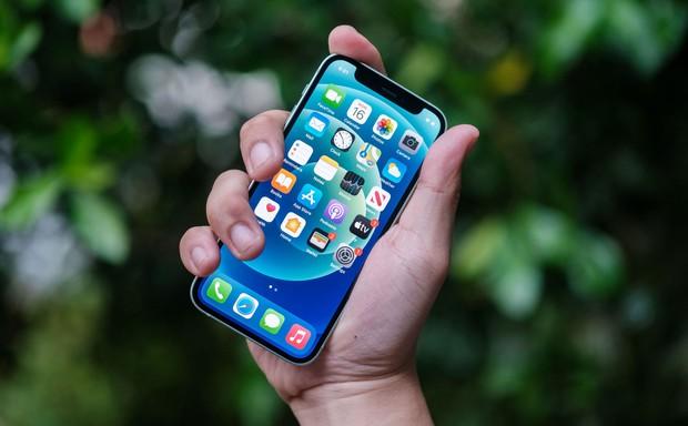 iPhone 12 mini bị người dùng lạnh nhạt vì đuối sức trước iPhone cũ giá tốt - Ảnh 4.