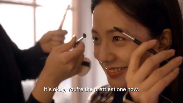 """Chị em """"cây khế"""" như BLACKPINK: Vừa khen Rosé makeup đẹp xong bị MC hỏi 1 câu là """"lòi đuôi"""" ngay - Ảnh 2."""