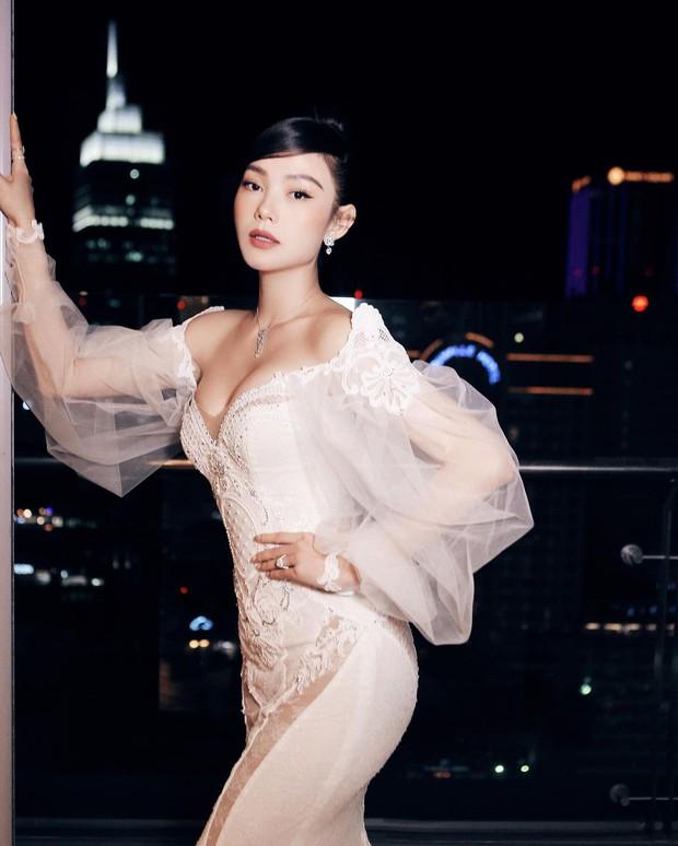 Minh Hằng khoe dáng nuột trong chiếc váy 350 triệu, ai ngờ đó chính là váy cưới của Beyoncé - Ảnh 3.