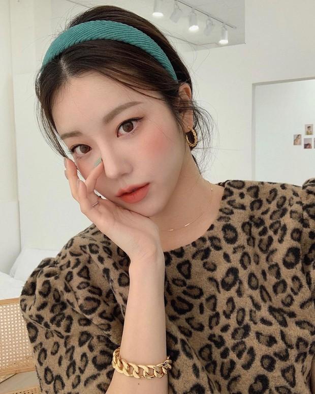 Muốn hoàn chỉnh diện mạo thanh lịch thì chớ bỏ qua kiểu tóc mái rèm cửa được quý cô Hàn ưa chuộng - Ảnh 9.