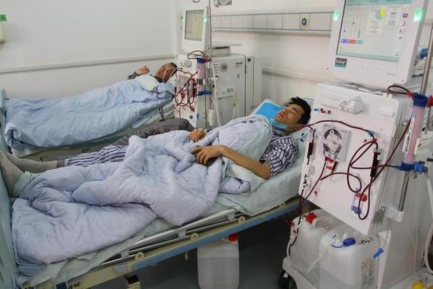 Chàng HLV trẻ 28 tuổi bất ngờ nhận chẩn đoán mắc suy thận vì thường xuyên làm 2 hành động sau khi uống rượu - Ảnh 1.