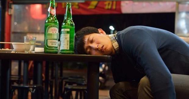 Chàng HLV trẻ 28 tuổi bất ngờ nhận chẩn đoán mắc suy thận vì thường xuyên làm 2 hành động sau khi uống rượu - Ảnh 3.