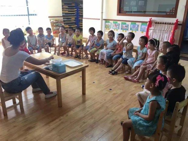 Con gái ị đùn ra quần trong lớp, cô giáo vứt quần áo lót bẩn đi, bà mẹ đòi bồi thường 35 triệu vì dám hủy hoại tài sản - Ảnh 1.