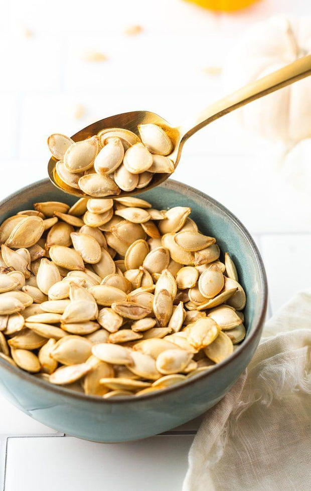 Nam giới có tuyến tiền liệt khỏe mạnh thường thích ăn 3 loại thực phẩm màu trắng và làm đủ 3 điều sau - Ảnh 2.