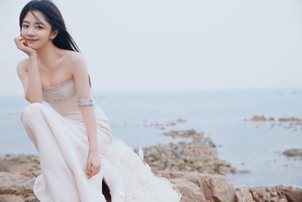 Sự kiện siêu khủng iQiYi: Thái Từ Khôn soái khí ngút ngàn, Kim Thần đọ sắc vóc sexy bên mỹ nhân hack tuổi Đàm Tùng Vận - Ảnh 7.
